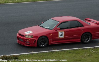 R34 sedan, this had some noisy brakes