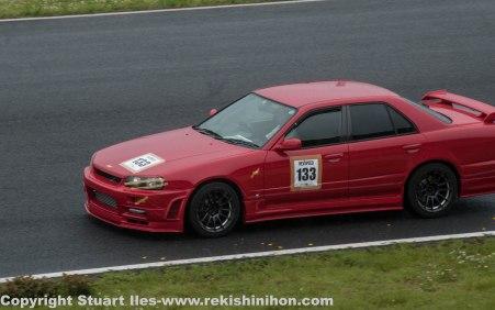R34 sedan, this had some noisy brakes