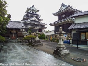 Main tower and yagura